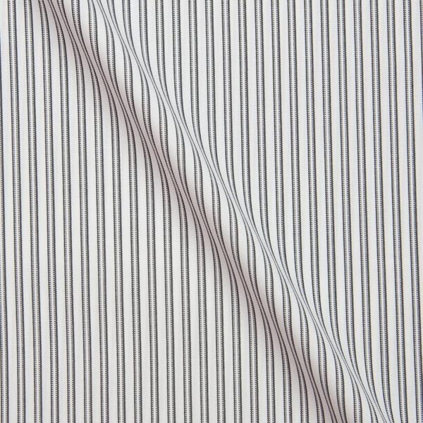 ブラックストライプ柄の生地を各15cm