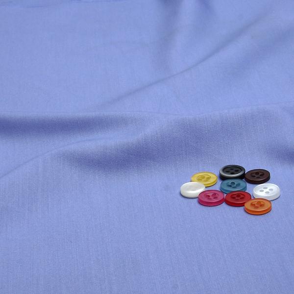 ボタンとの組み合わせでかわいい印象を与えられます