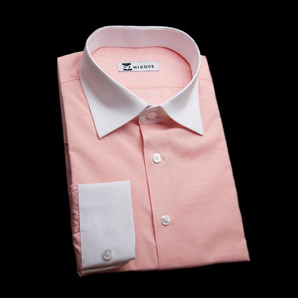 ピンクの無地柄 セミワイドカラー コンバーチブルカフス ラウンドのワイシャツ