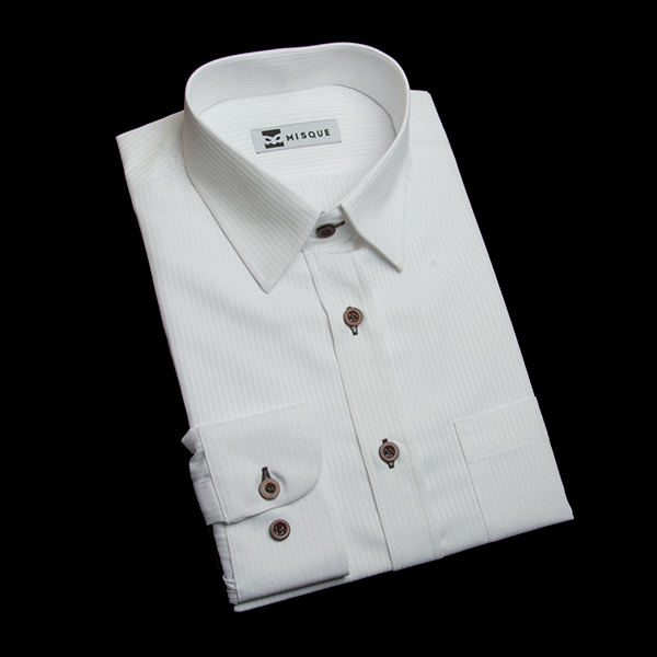 ホワイトのストライプ柄 ショートポイントカラー レギュラー ラウンドのワイシャツ