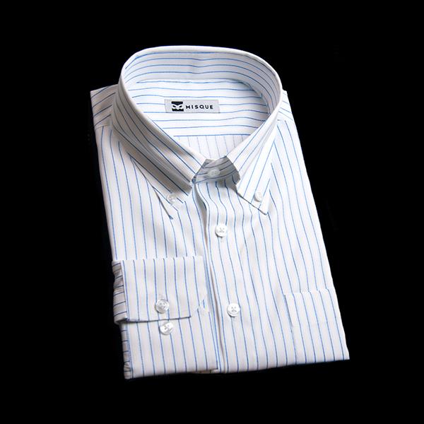 ブルーストライプのボタンダウンシャツ