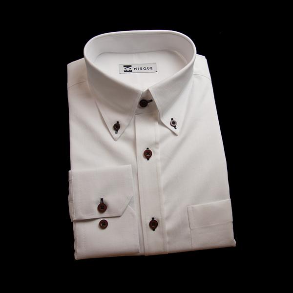 ホワイトの無地柄 ボタンダウンカラーレギュラー 角落ち(カットオフ)のワイシャツ