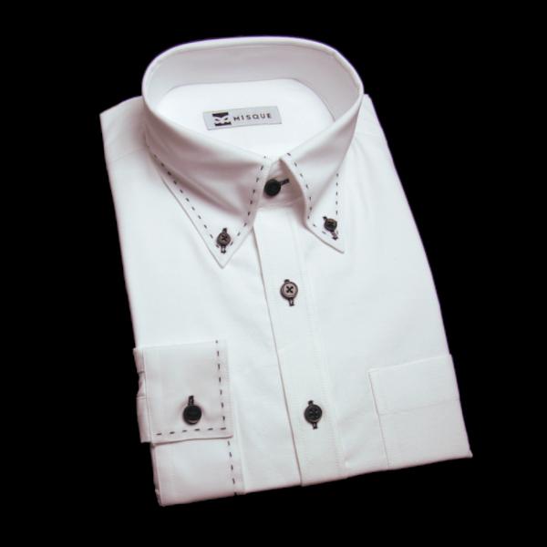ホワイトの無地柄 ボタンダウンカラーレギュラー スクエアのワイシャツ