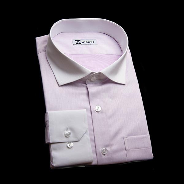 淡いパープルのクレリックシャツ