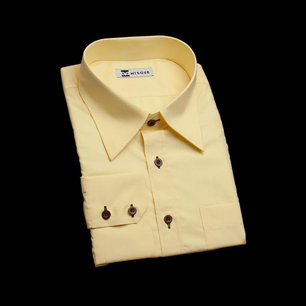 クリームイエローの無地柄 レギュラーカラー レギュラー ツーボタン 角落ち(カットオフ)のワイシャツ