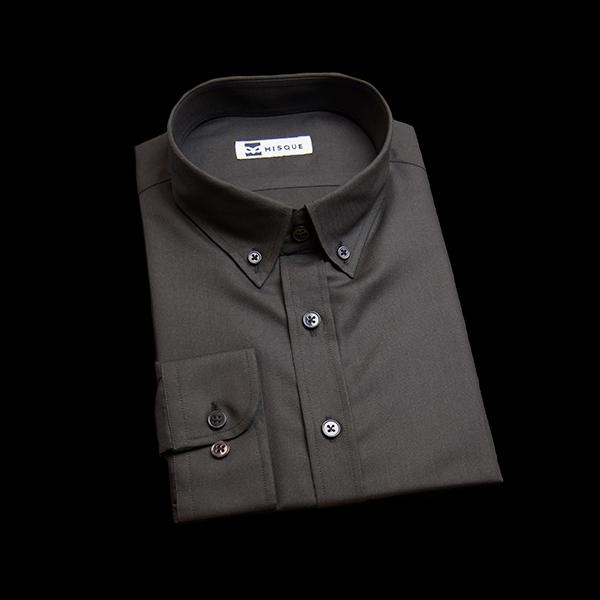 ブラックの無地柄 ボタンダウンカラーレギュラー ラウンドのワイシャツ